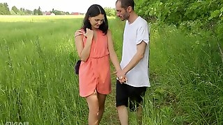 Sweet Ariel Grace adores having sex in the nature more than anything