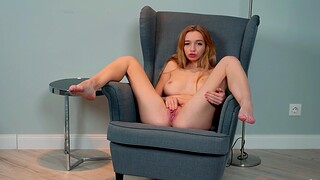 Horny solo chick Leyla Fiore spreads her legs to masturbate
