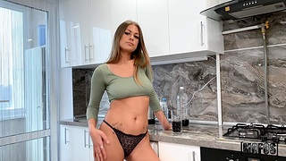 Glamorous room-mate Zlata Shine gets fucked in tight asshole
